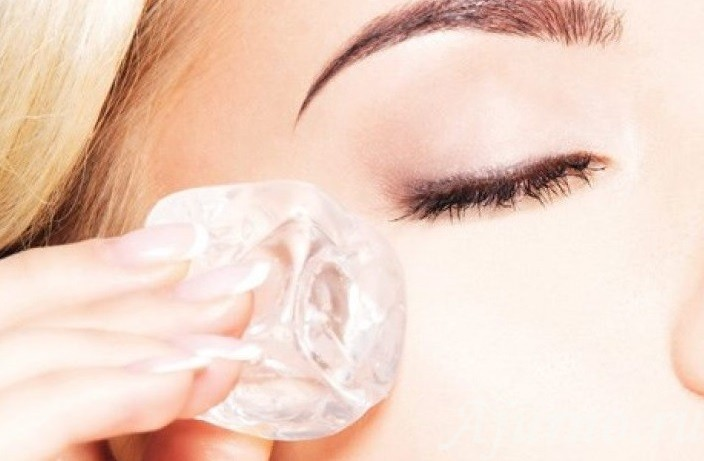 Кубики льда для ухода за кожей лица